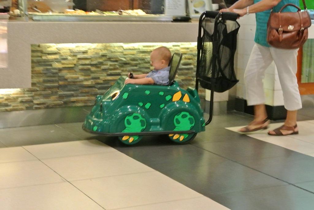 dubai wir entdecken die mall of the emirates unsere kleine weltreise. Black Bedroom Furniture Sets. Home Design Ideas